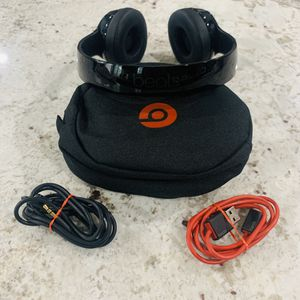 Beats by Dr Dre Solo3 Wireless Headphones Gloss Black for Sale in Los Angeles, CA