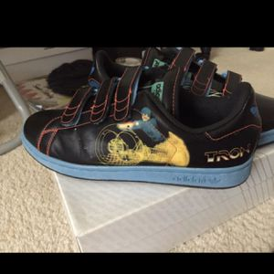 Adidas Stan Smith x Tron for Sale in Fort Washington, MD