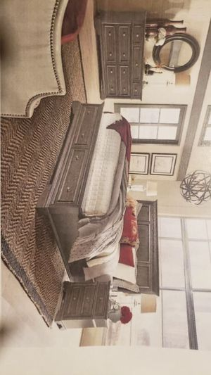 4 pc BED SET for Sale in Greensboro, NC