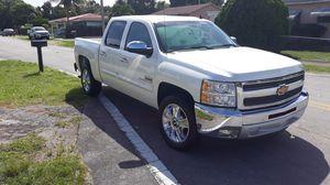 2013 Chevy Silverado, low mileage for Sale in North Miami, FL