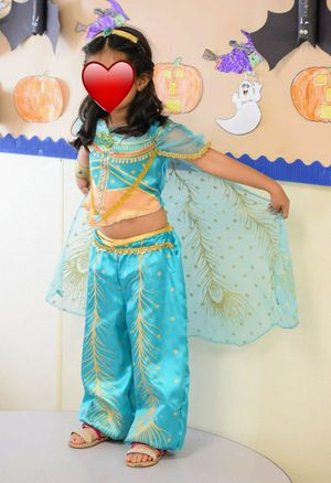 Princess jasmine costume with accessories for Sale in Covina, CA