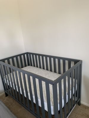 Baby crib with mattress for Sale in Mayfield Heights, OH