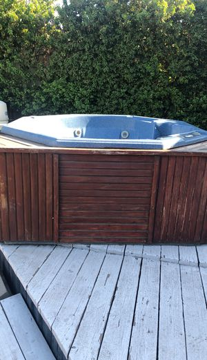 Hot tub for Sale in Covina, CA