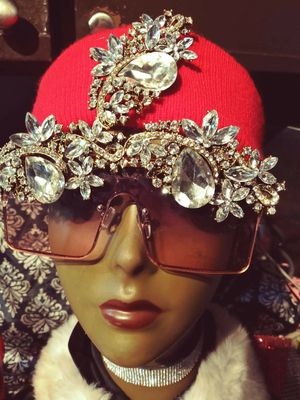 Custom Bling sets shades hat for Sale in Dallas, TX