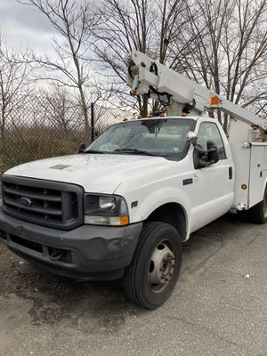 2004 Ford F450 bucket truck low miles for Sale in Brooklyn, NY