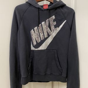 NIKE SILVER SEQUIN HOODIE FOR WOMENS SIZE MEDIUM for Sale in Los Angeles, CA