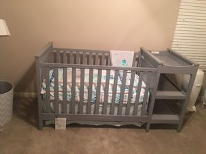 Baby crib and changing table for Sale in Westchester, CA