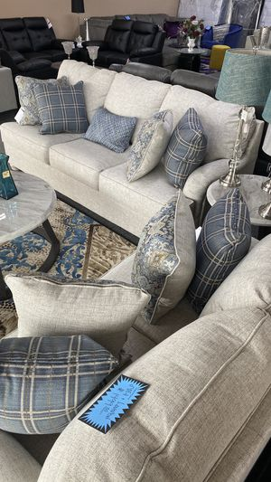New Two Piece Sofa and Love Seat Beige Color with 9 Accent Pillows QR1D7 for Sale in Euless, TX
