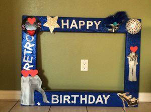 Decorations Photo prop. Decoracion de cabina de foto buenas condisiones for Sale in South Gate, CA