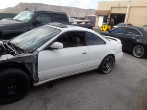 2001 Acura cl Good engine bad transmission car still runs missing front parts hood,bumper and fenders for Sale in Davie, FL