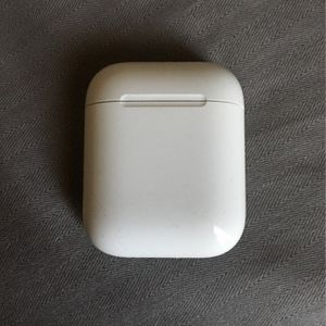 Apple AirPods **Like NEW** for Sale in San Angelo, TX