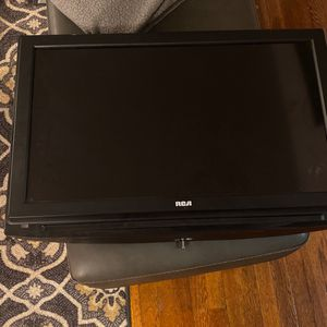 Used Black RCA TV 32 inch in great condition for Sale in Brentwood, MD