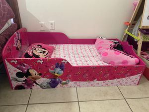 Toddler bed for Sale in Miami, FL