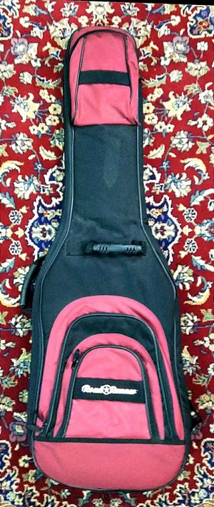 Road runer electric bass guitar case !! $50 or best offer !! for Sale in Wilton Manors, FL