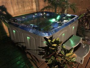 4 Person 220v CANTABRIA Hot Tub / Spa! Must See!!! for Sale in Tampa, FL
