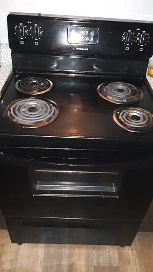 Frigidaire stove and refrigerator for Sale in Dallas, TX