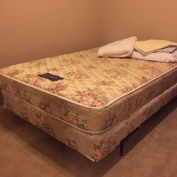Full Size Bed Luxuryrest Mattress n Box spring n Frame