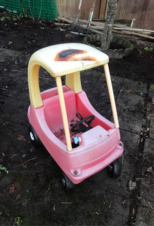 Toy car free come pick up you're self for Sale in Arlington, WA