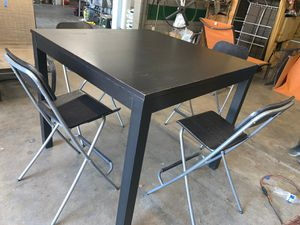 Dining table with 4 bar stools for Sale in Scottsdale, AZ