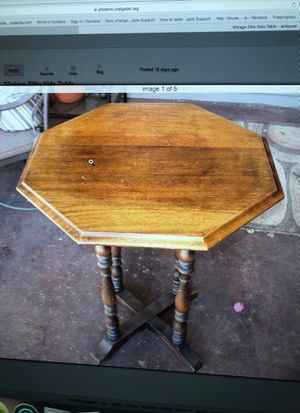 Vintage Elite Side Table for Sale in Scottsdale, AZ