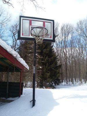 Basketball hoop for Sale in N GROSVENORDL, CT