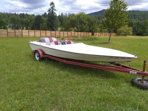 MARLIN SKI BOAT • EXCELLENT CONDITION for Sale in Aurora, OR