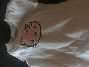 Hello kitty skirt shirt set size 5 for Sale in Phoenix, AZ