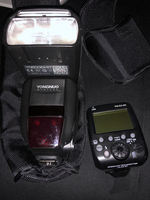 Canon (yongnuo) flash and speed Transmitter for Sale in San Antonio, TX