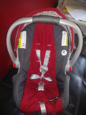 Infant car seat for Sale in Fife, WA
