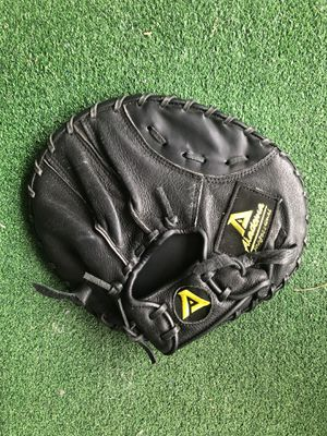 Akadema Pancake trainer baseball glove for Sale in San Diego, CA
