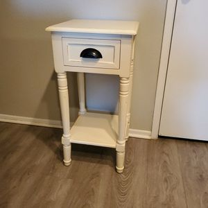 Side Table for Sale in Ontario, CA
