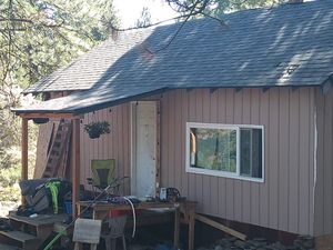 Cabin with 41/2 acres for Sale in Klamath Falls, OR