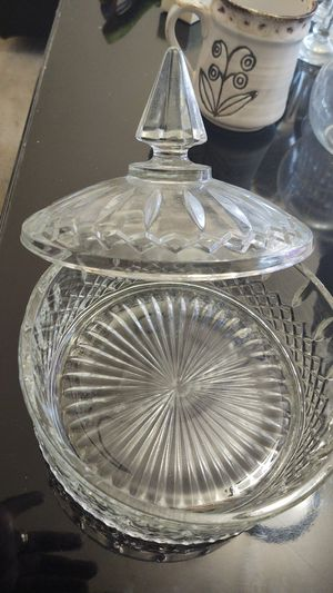 Vintage Anchor Hocking Clear Glass Old Cafe Candy Dish with Lid for Sale in Suitland-Silver Hill, MD