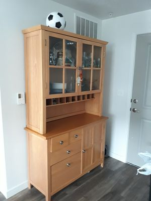 China cabinet / Kitchen Cabinet / Display Cabinet/ wooden shelf for Sale in South Jordan, UT