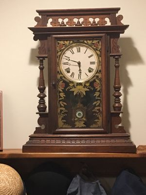 Antique Pendulum Mantle Clock for Sale in Chapel Hill, NC