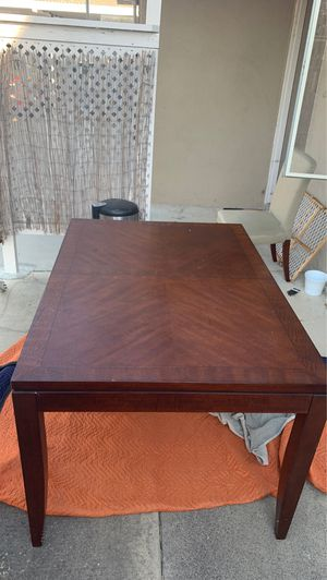 Dining room table for Sale in Costa Mesa, CA