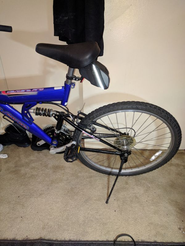 Free spirit pro mountain bike 26 in 21-speed