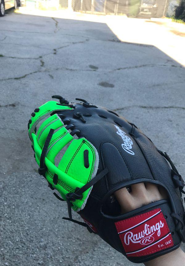 Rawlings left throw first baseman glove