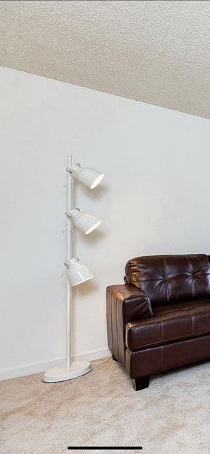 Floor Lamp With 3-Spotlights, Beige - USED for Sale in Santa Ana, CA