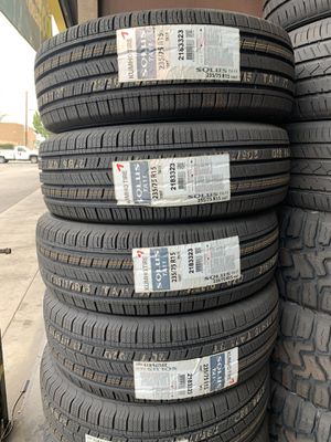 Kumho Tires 235/75/15 for Sale in Lakewood, CA