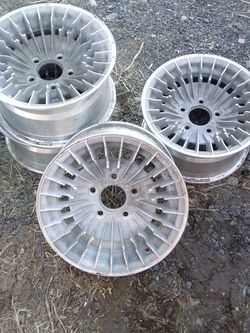"Chevy 80's 5x4.5, 14""X7 Firebird Knight Rider Rims for Sale in Prineville,  OR"