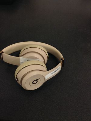 Beats wireless headphones for Sale in Chicago, IL