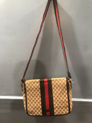 Gucci shoulder bag for Sale in Monroe, NC