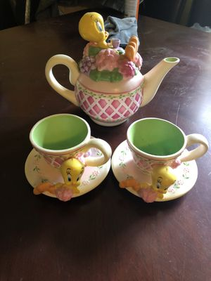 Tweety bird tea pot set and cup and bowl set for Sale in Columbus, OH