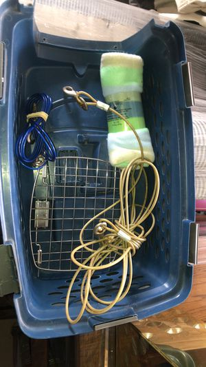 Wire dog run & pet carrier for Sale in Burr Ridge, IL