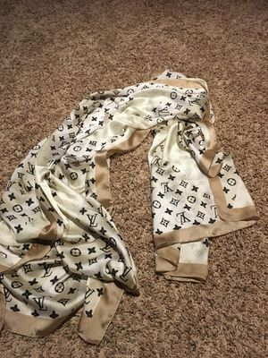NWT authentic Louis Vuitton giant pop monogram stole silk scarf for Sale in Montvale, NJ