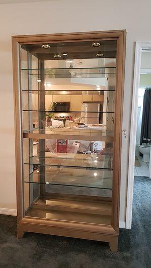 Curio cabinet for Sale in Sebring, FL