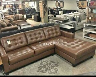 🧃same DAY free delivery 🐾 Baskove Auburn Leather RAF Sectional ,sofa, couch, living room set 🌾 for Sale in Bellaire,  TX