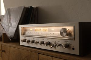Vintage Pioneer SX-650 Stereo Receiver for Sale in Miami Beach, FL