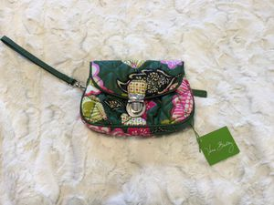 NWT Vera Bradley Puffy Wristlet in Olivia Pink for Sale in Troy, VA